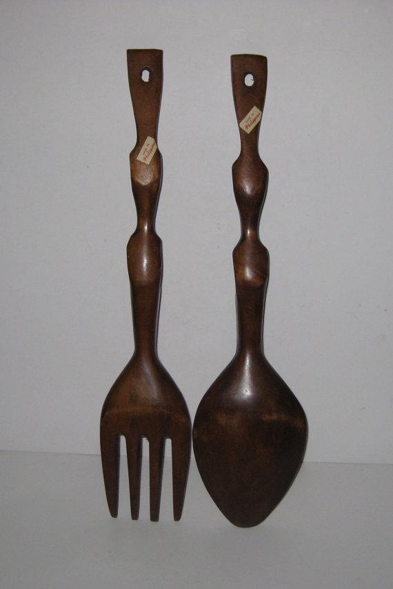 Vintage Carved Wooden Tiki Totem Spoon & Fork Wall Hanging Set (Source:  etsy.com )