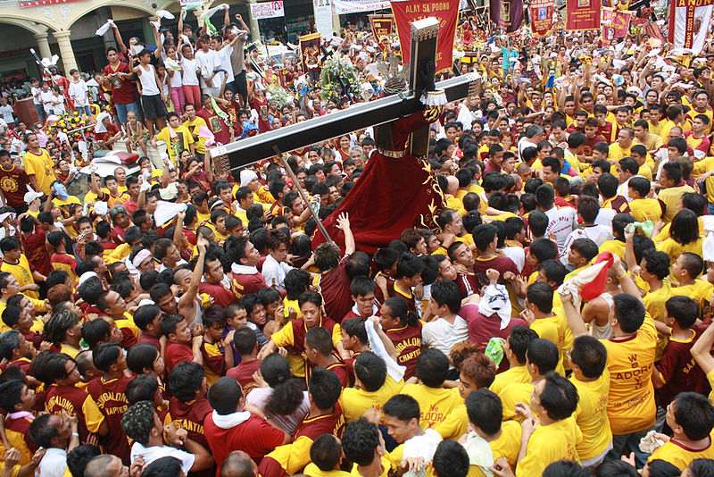 Feast of the Black Nazarene, January 9th, Quiapo, Manila. Source: Wikimedia Commons. (Photo by Denvie Balidoy)