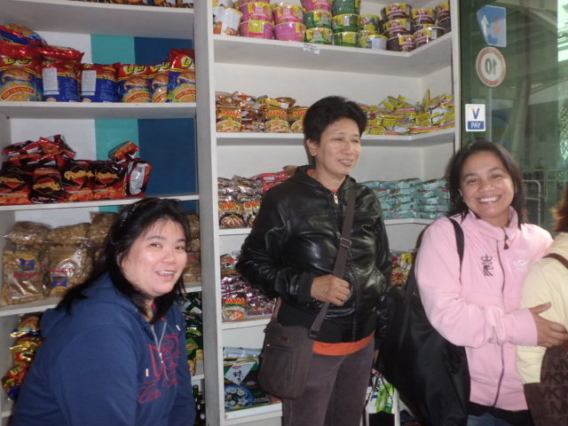 Angeles Sari-sari store in Venice (Photo by Fr. Rey Culaba)