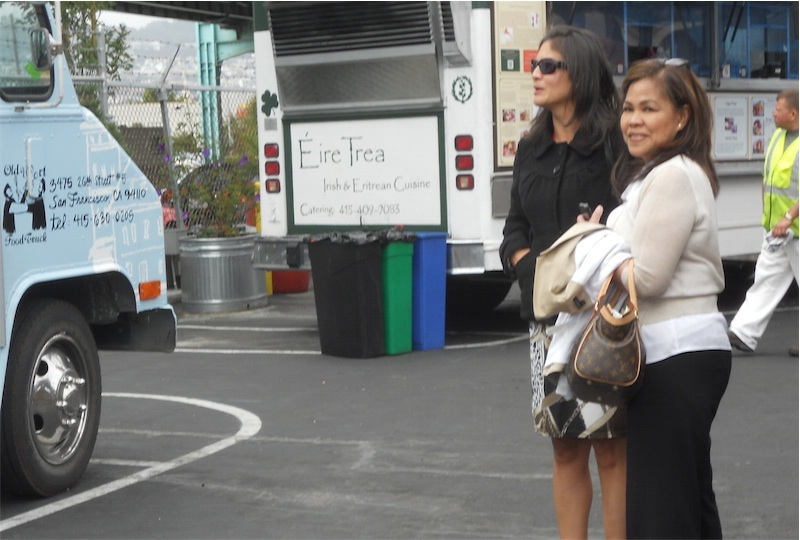 Cris (right), herself awed with the food trucks in San Francisco.  (Photo courtesy of Elena Buensalido Mangahas)
