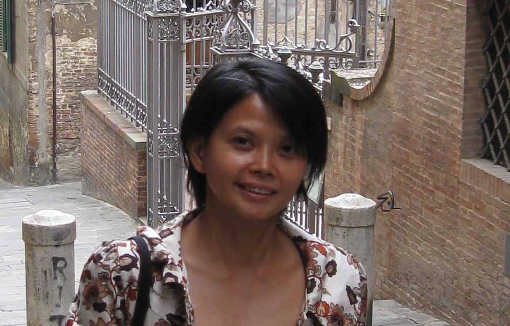 Gina Apostol in Sienna, Italy, 2009  (Source: ginaapostol.wordpress.com)