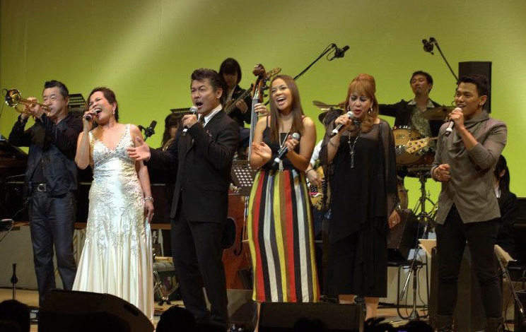 "At the finale of the 2012 Tokyo-Manila Jazz and Arts Festival, Charito performed with trumpet player Terumasa Hino, vocalist Mon David, and Sitti, the ""Bossa Nova Queen"" of Manila along with Ramona and Ivan, two Tokyo-based singers from the Philippines. (Photo by Julius Pasqua)"