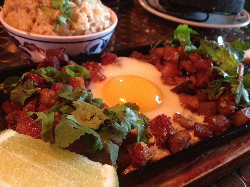 Pig and Khao's Sizzling Corned Beef  (Photo by Elizabeth Ann Quirino)