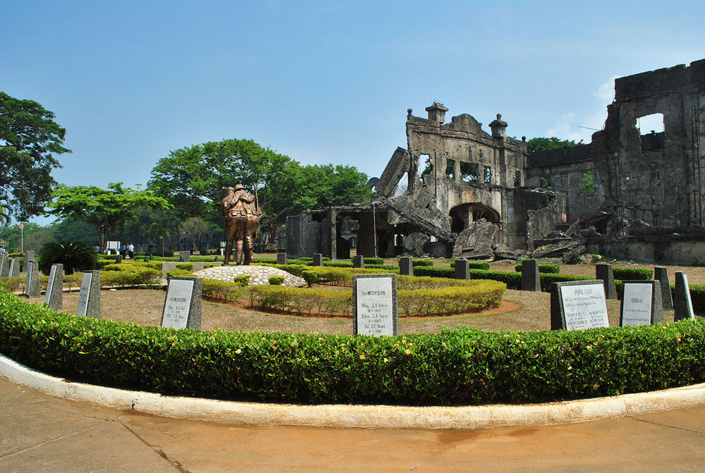 Brothers-in-Arms monument and Cine Corregidor ruins  (Photo by Bernard L. Supetran)