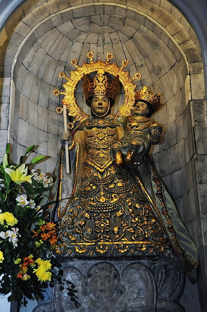 Nuestra Senora de la Candelaria of Jaro  (Iloilo)  (Photo by Noli Yamsuan)