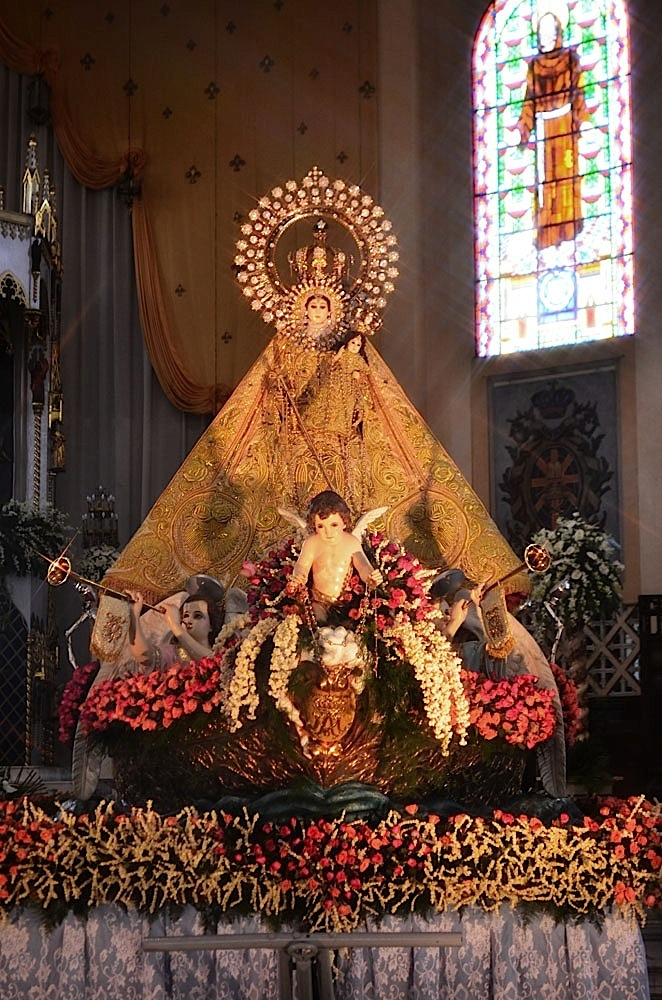 Our Lady of La Naval de Manila (Santo Domingo Church, Quezon City) (Photo by Noli Yamsuan)
