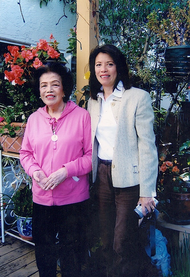 Tita Helen in Geneva with niece Petty Benitez-Johannot
