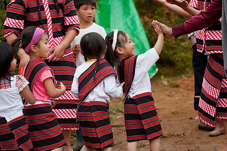 Children performing during inauguration of Mt. Pulag Klasrum ng Pag-asa at Babalak, Bashoy, Benguet (Photo by Rick Rocamora)