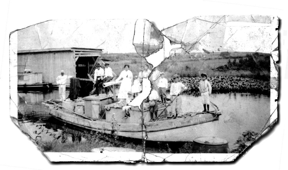 HermanFerniz'sfirstmotorizedboat,1921