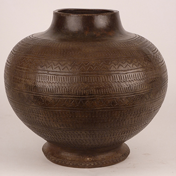 A Kalinga rice storage jar (Photo copyright © the Richard Gervais Collection)
