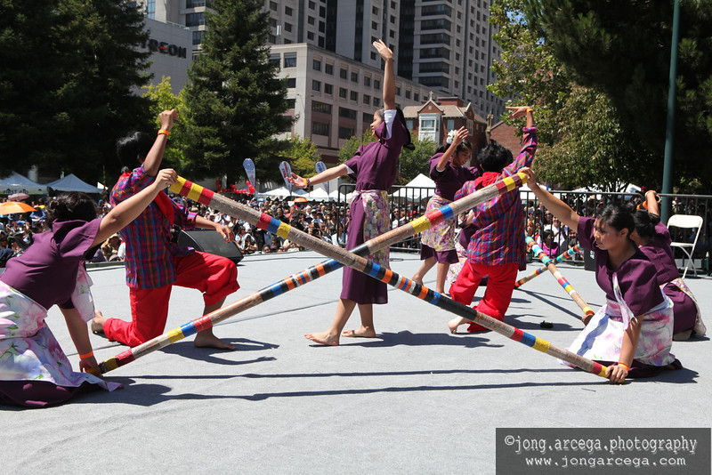 Tinikling performed at the 18th Annual Pisthan Parade and Festival (Photo by Jong Arcega)