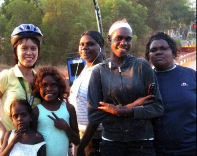 In Northern Australia, biologist Rocielie Valencia works with the aborigine community for her thesis in ethnobotany. (Source: avrotor.blogspot.com)