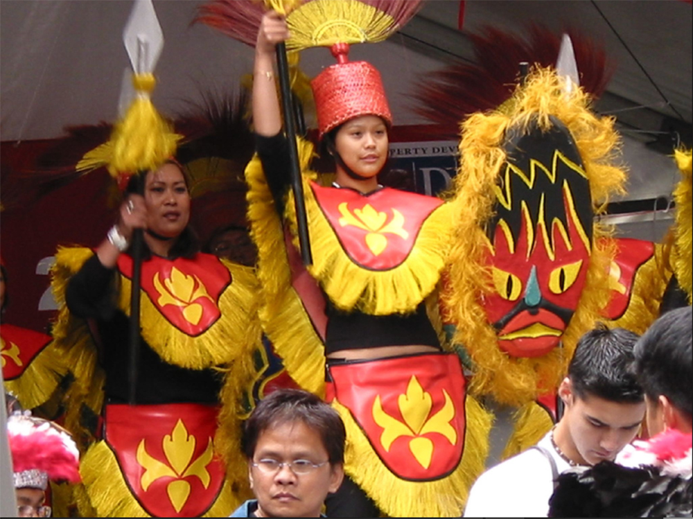 A Filipino contingent at the Chinese New Year Parade in Melbourne (Photo by singapore_walker of flickr.com)