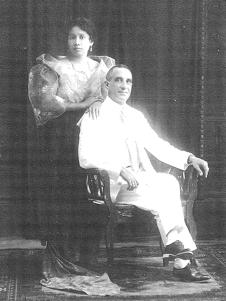 The author's grandparents Edward Taylor and Petra Alferez, September, 1919 (Photo courtesy of Isabel Taylor Escoda)