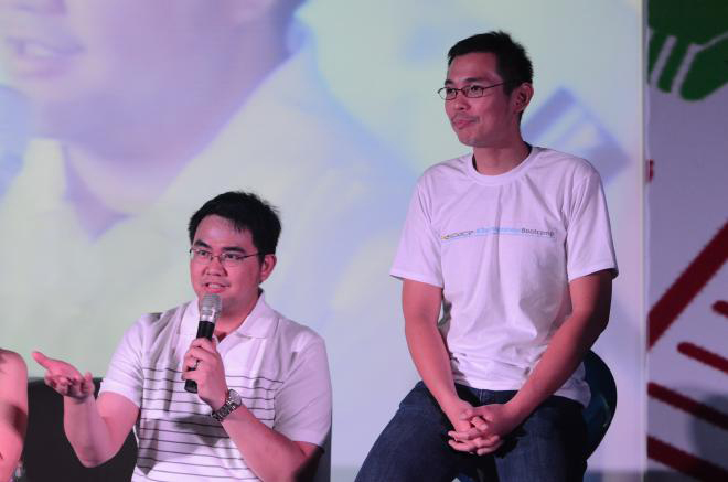 Valencia (left) with IdeaSpace co-founder Marthyn Cuan (Photo courtesy of Earl Valencia)