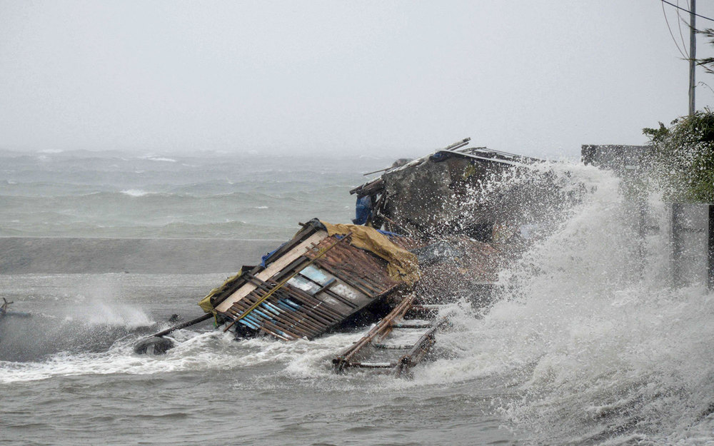 Storm surge brought about by powerful Typhoon Haiyan (Photo: AP Photo/Nelson Salting via Parade)