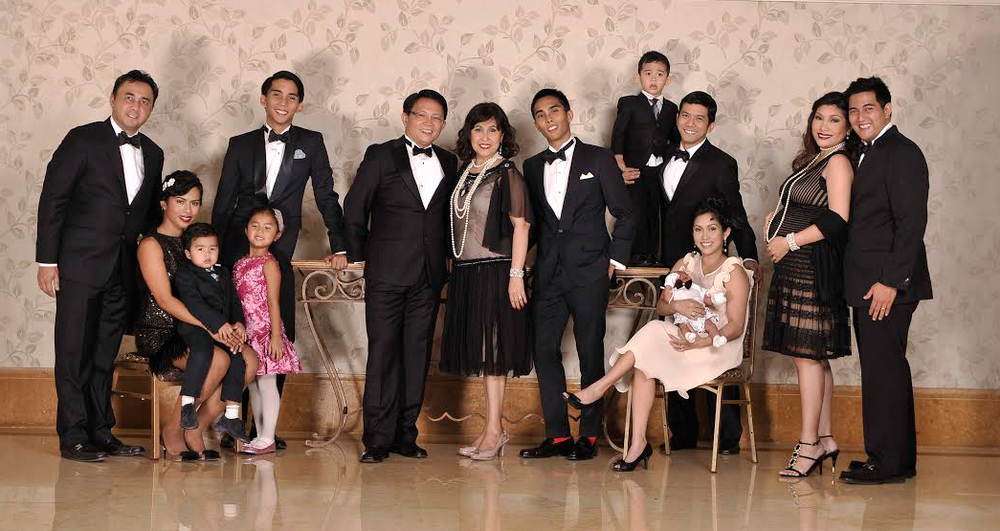 Aguas considers her job as wife, mother, grandmother as the best. With husband Mario M. Aguas, children Marni and Nick Alvarez, Ana and Rene Aguirre, Carlo and AJ, Mark and Ryan; grandchildren Dominique, Emmanuel, Matthew, Anton Luis and Luke (Photo courtesy of Nina Aguas)