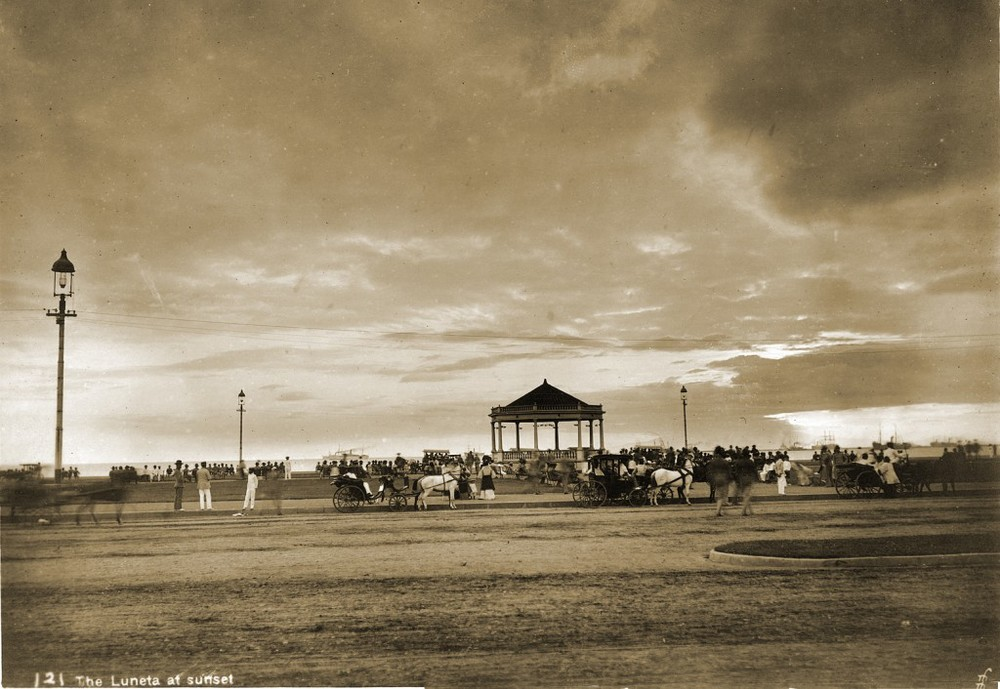 Luneta at sunset, 1900 (Source: manilanostalgia.com)