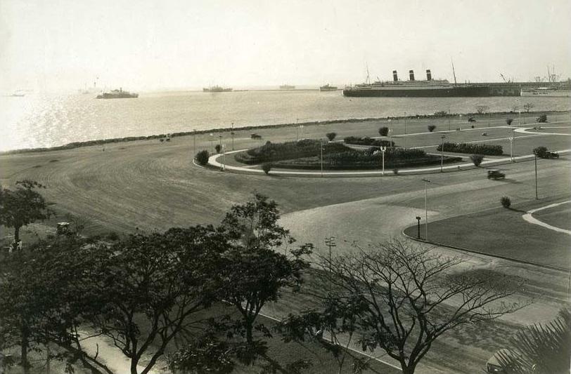 Bagumbayan (Luneta), 1930s (Source: manilanostalgia.com)