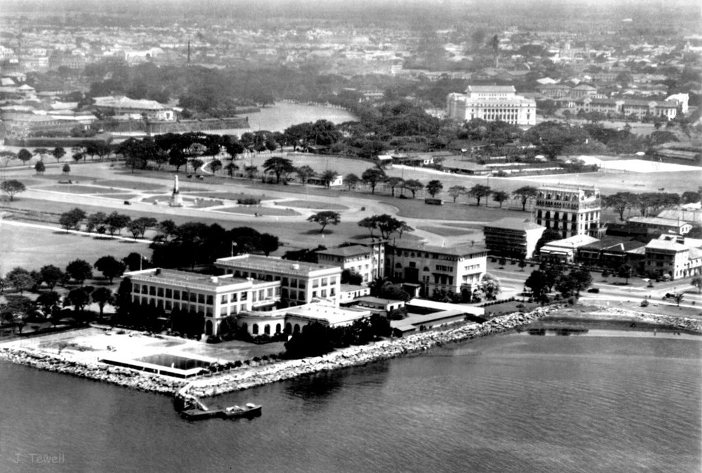 Overhead view of the Army Navy Club, Elks and Luneta Hotel, Bel Air Apartments (Source: manilanostalgia.com)