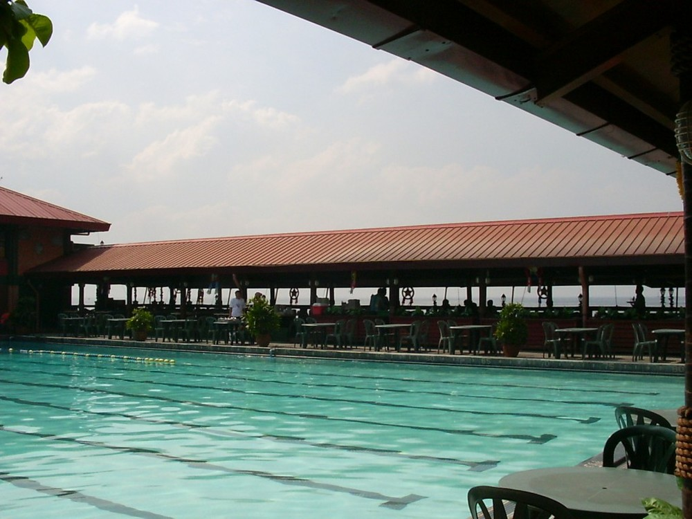 Army Navy pool today (courtesy Skip Haven; Source: manilanostalgia.com)