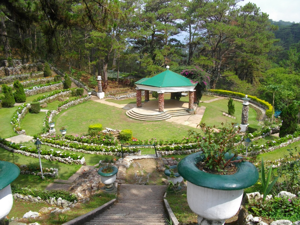 Camp John Hay in Baguio City (Source: tripq2.blogspot.com)
