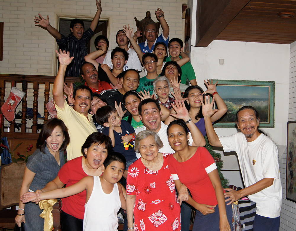 Elong Sison's large family  (Photo courtesy of the Sison Family)