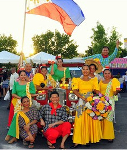 A Pinoy pride celebration with Kalahi Philippine Folkloric Ensemble (Photo by Ronaldo Udalve)