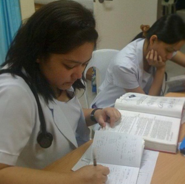 Dr. Catalan's clerkship year in Cebu Doctors' University Hospital (Photo courtesy of Dr. Elisse Catalan)