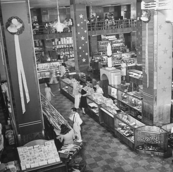 InteriorofHeacock's-1941(Source:ManilaNostalgia)