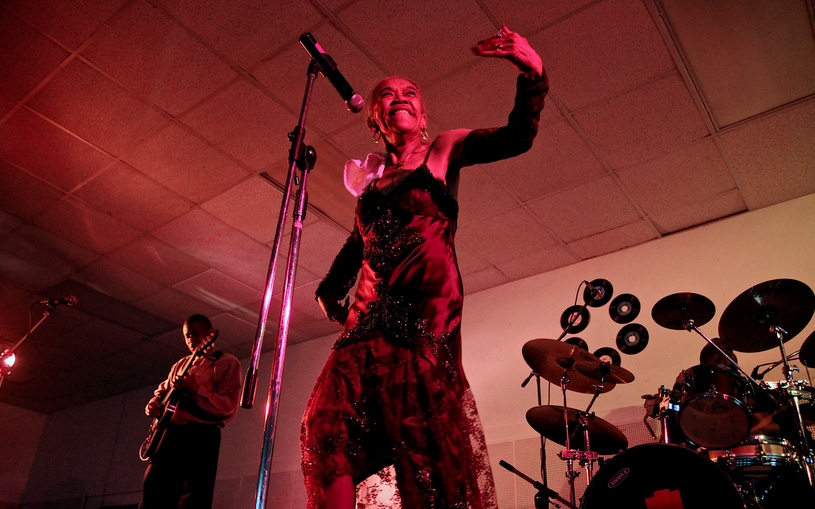 Sugar Pie DeSanto still rocking it after all these years. (Photo by Nathan DeHart)