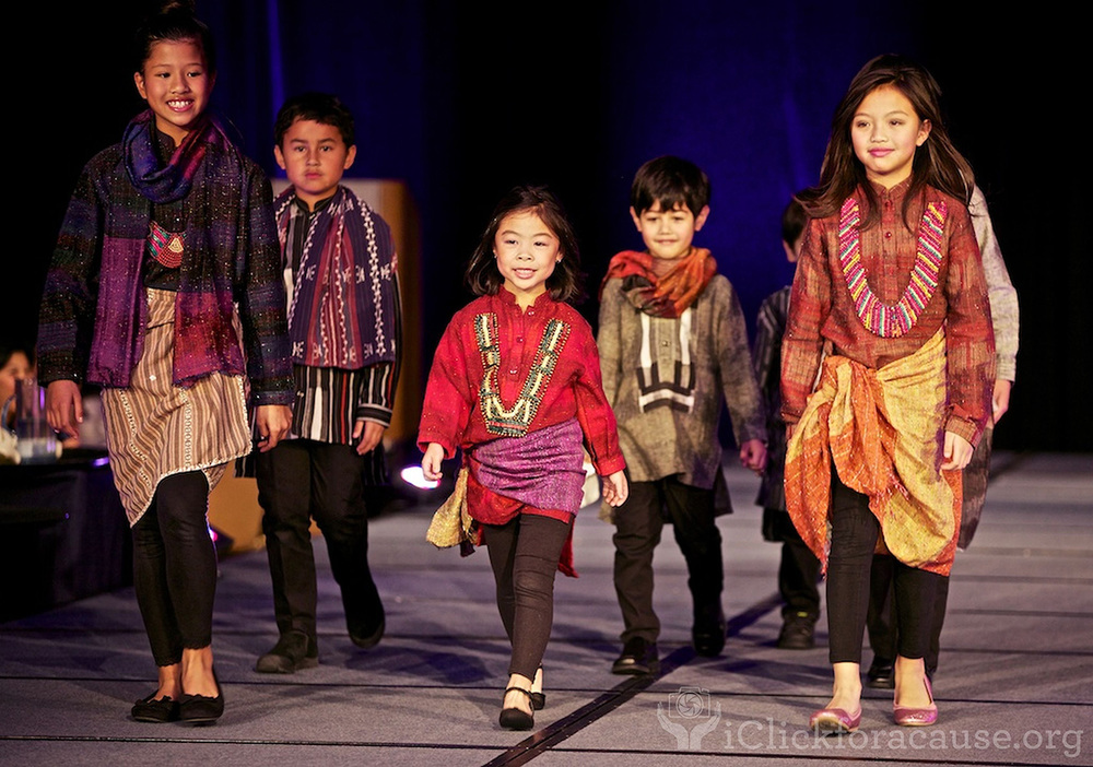 Young Fil-Ams volunteer their talents at the recent Philippine International Aid (www.phil-aid.org) fundraiser, which donated part of its proceeds to the Typhoon Haiyan victims (Photo by iClickforacause.org)