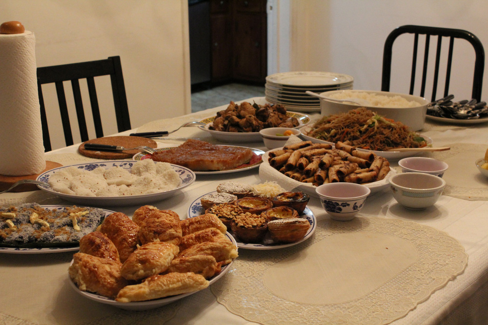 The Filipino food table, which has more than enough for everybody (Photo by daily matador)