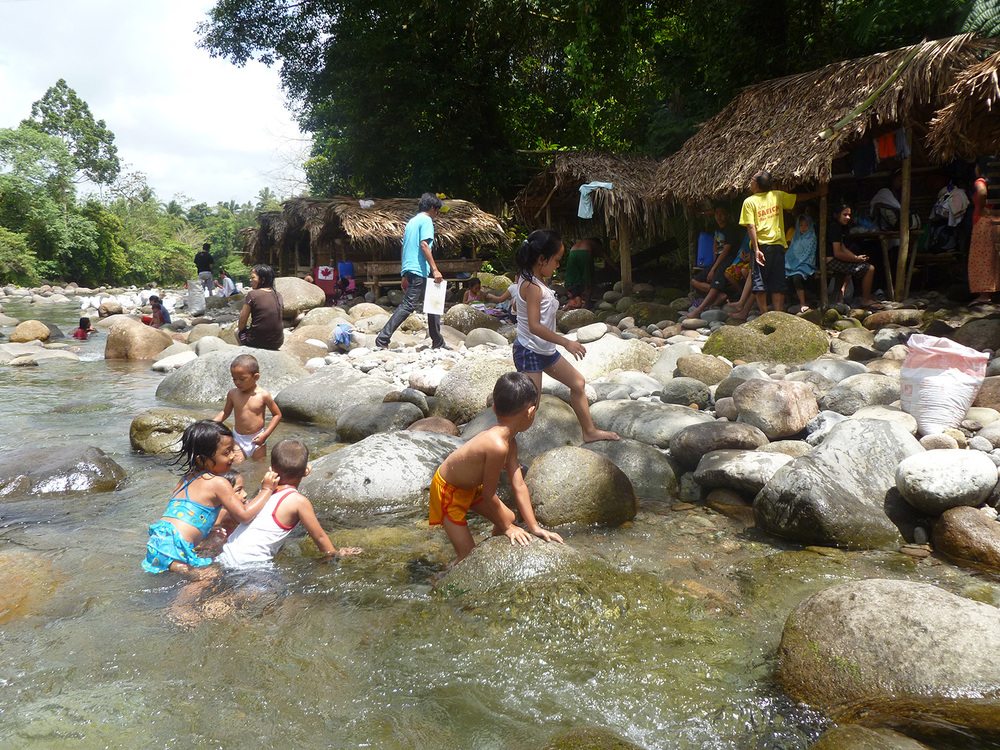 Mampurog River (Photo by Excel Dyquiangco)