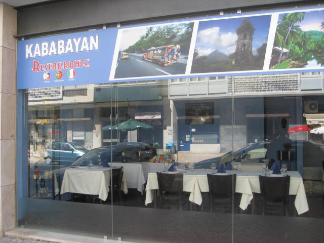 Kababayan restaurant seen from the street (Photo by Tiago Gutierrez Marques)