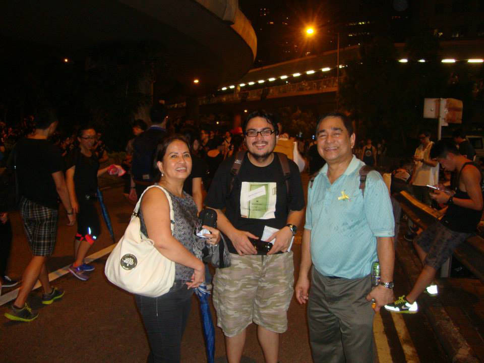 The author, with fellow Filipinos William Manzano and Leo A. Deocadiz, became witnesses to a historic event. (Photo courtesy of Daisy CL Mandap)