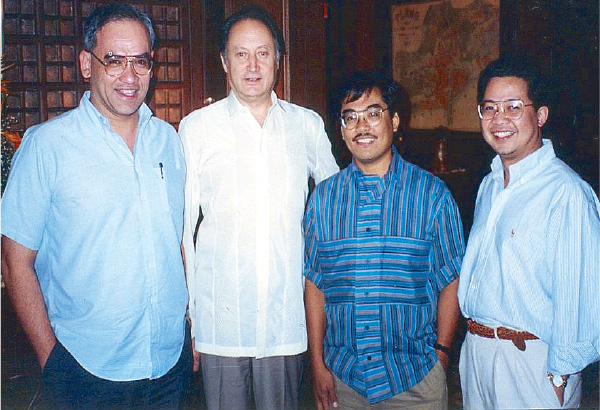 Happy days again: After the fall of Marcos, Jerry Barican, Nelson Navarro and Ray Altarejos lunch with the USSR Ambassador at the Peninsula Manila. (Source: philstar.com)