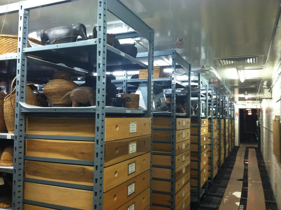 Field artifacts in storage (Photo by Dr. Almira Astudillo Gilles)