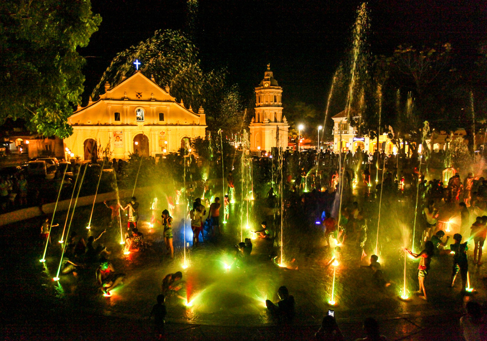 """Fountain Fun in Ilocos"" (Photo by Ardie Lopez)"