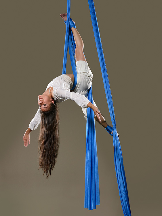 Sarah Johns on aerial silk (Photo by Michael Church)