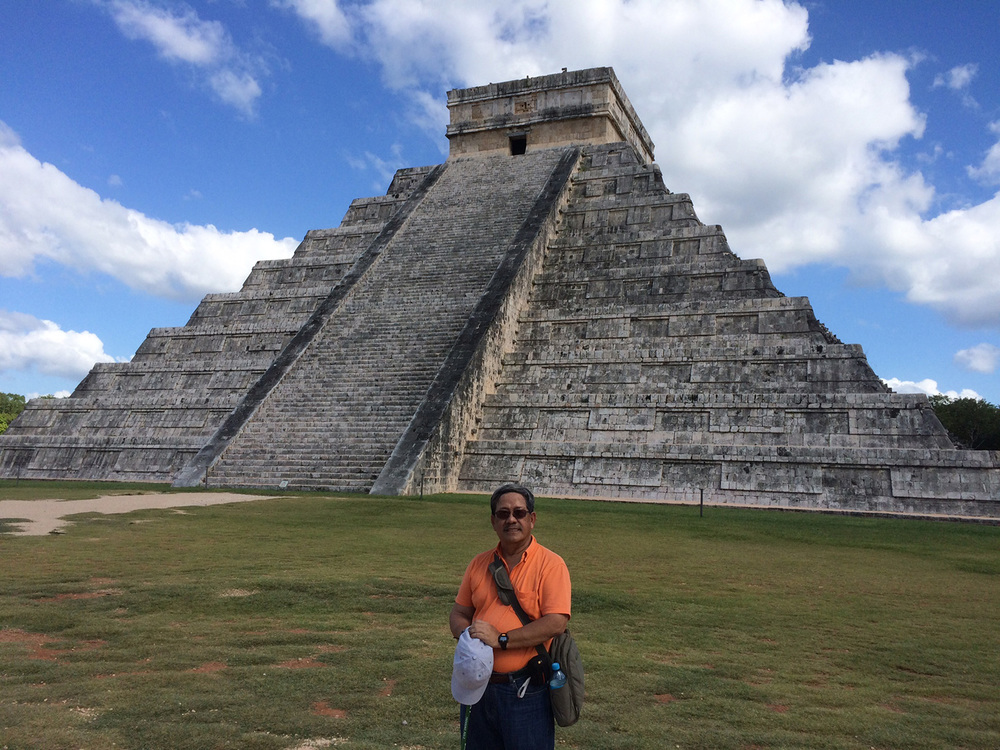 The author with Chichen Itza in the background. (Photo courtesy of Danny Gozo)