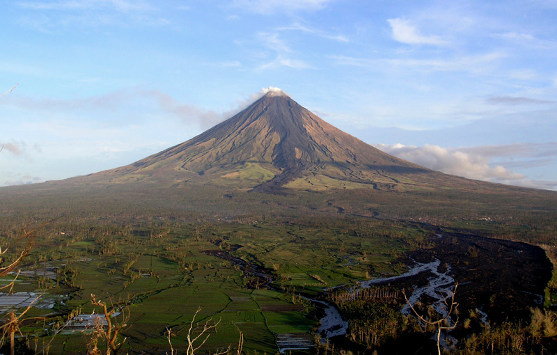 View of Mayon Volcano from Lignon Hill (Source: Wikimedia Commons. Photo by by Tomas Tam)