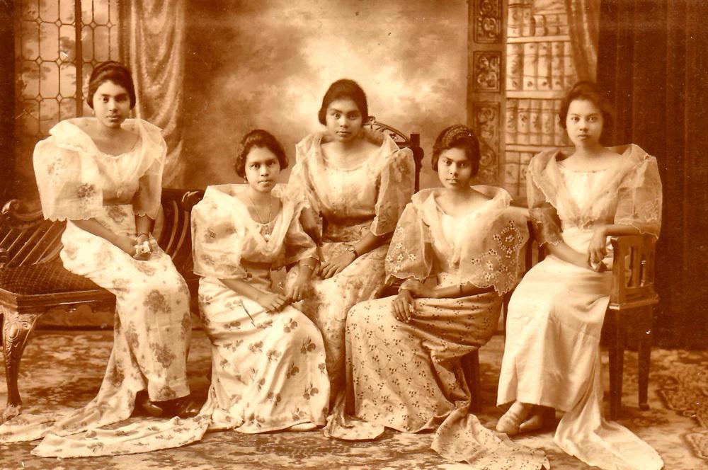 (L-R) Primitiva Alfafara-Padin, Natividad Alfafara-Enriquez, Natalya Alfafara-Sarmiento, Julia Alfafara-Campañon and Catalina Alfafara-Nemenzo