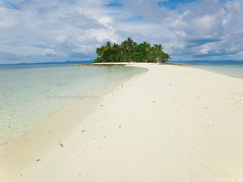 Kalanggaman Island (Source: iamtravelinglight.com)