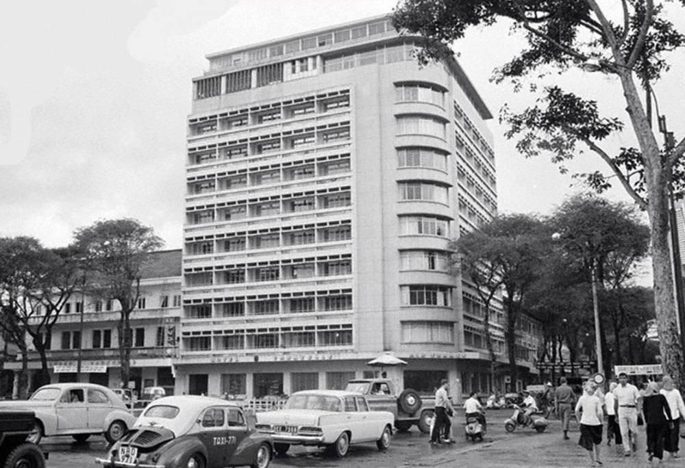 The old Caravelle Hotel (Source: historicvietnam.com)