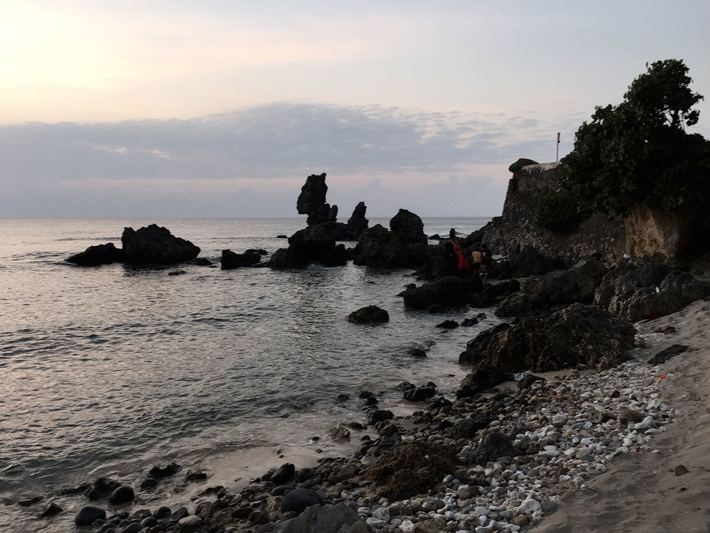 Sunset on Basco Beach (Photo by Omar Paz)
