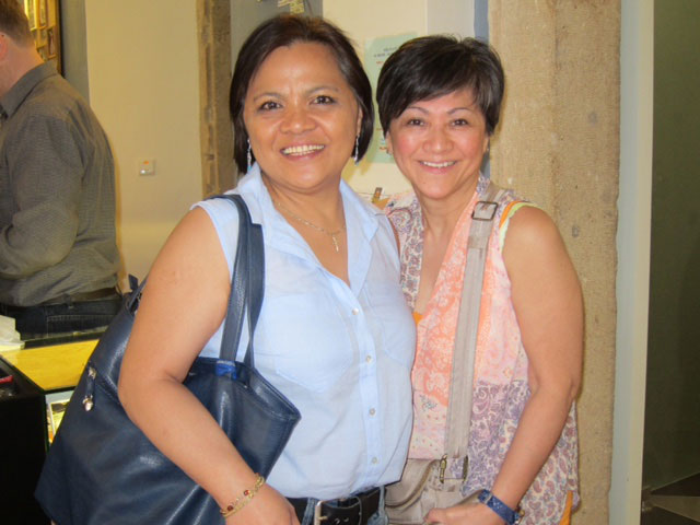 Benita Boeff (left) is an accountant from Berlin. She has lived there for the past 25 years. Emily Dator is from Rhode Island, USA where she has been a medical technician for the past 38 years. Benita and Emily were high school classmates from Lucban, Quezon. (Photo by Mona Lisa Yuchengco)