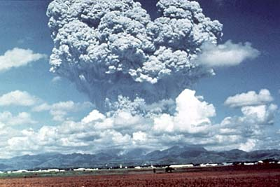 The volcanic ash cloud when Mount Pinatubo erupted in 1991 (Source: usgs.gov)