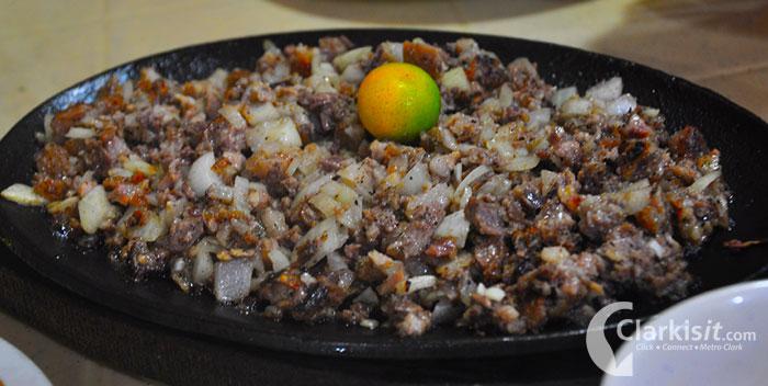 Sisig, a popular kapampangan dish (Source: clarkisit.com)