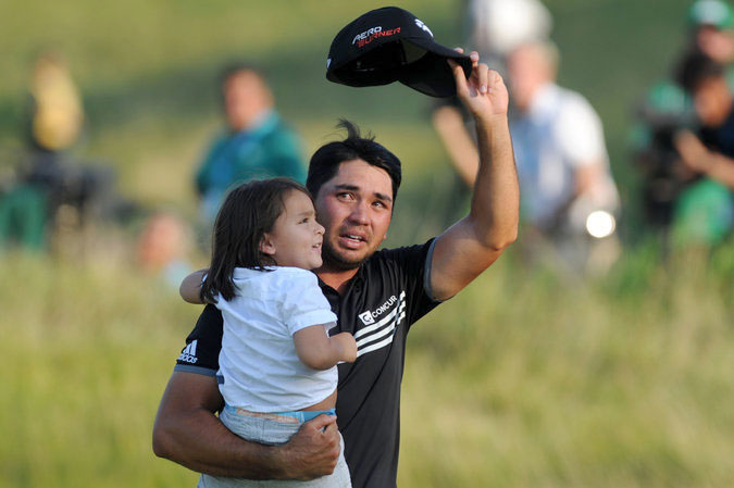 With son Dash, Day got emotional upon winning his first golf major at the 2015 PGA Championship, after years of top 10 finishes. (Source: Reuters/Photo by Thomas J. Russo)